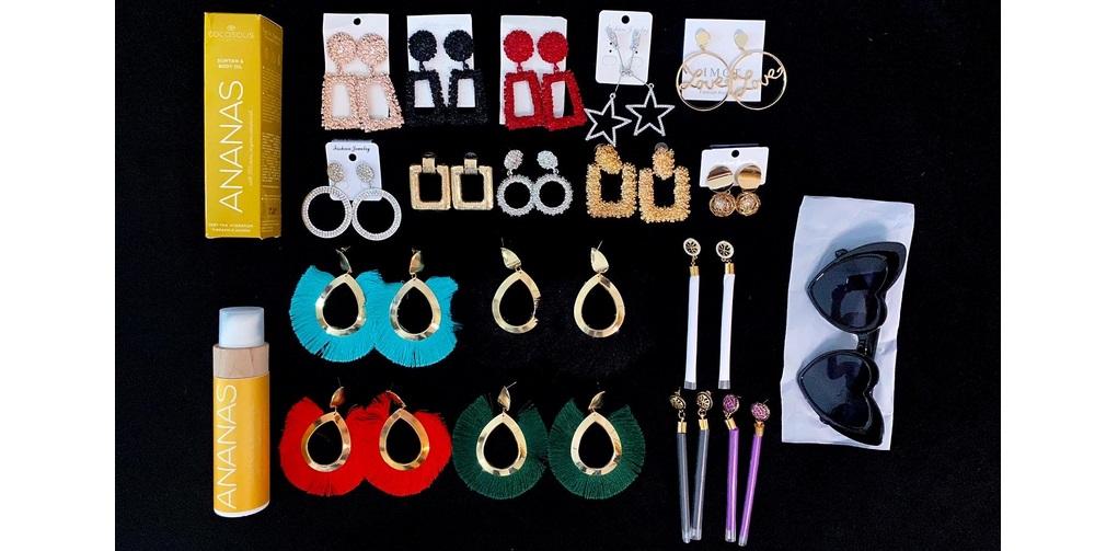 Giveaway accesorii şi produse cosmetice